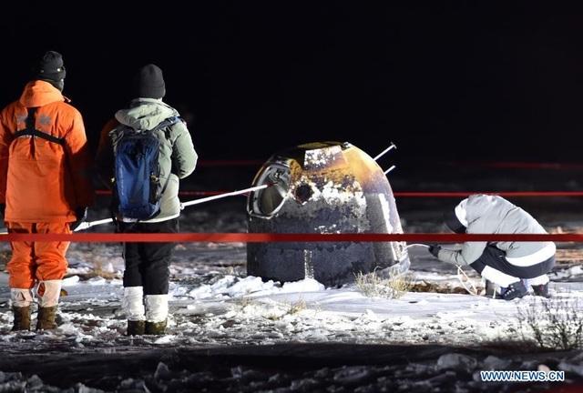 Trung Quốc lần đầu đưa mẫu vật từ mặt trăng về trái đất sau 44 năm - 2
