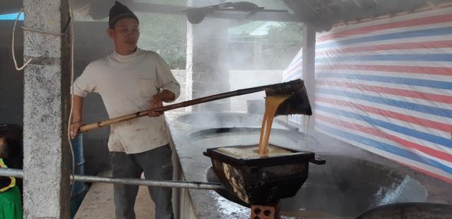 Về Tân Kỳ xem nghề ép cây mía đẻ... ra tiền - 11