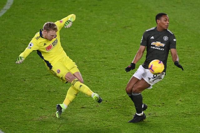 Những khoảnh khắc Man Utd vượt ải Bramall Lane thành công - 8