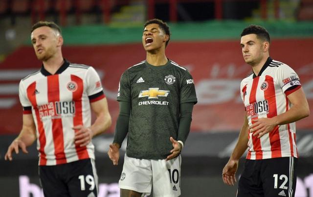 Những khoảnh khắc Man Utd vượt ải Bramall Lane thành công - 9