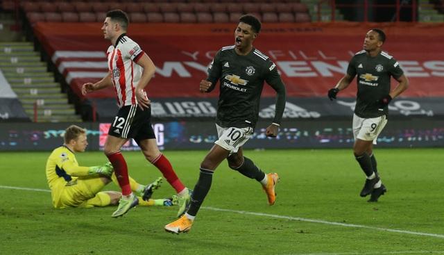 Những khoảnh khắc Man Utd vượt ải Bramall Lane thành công - 14