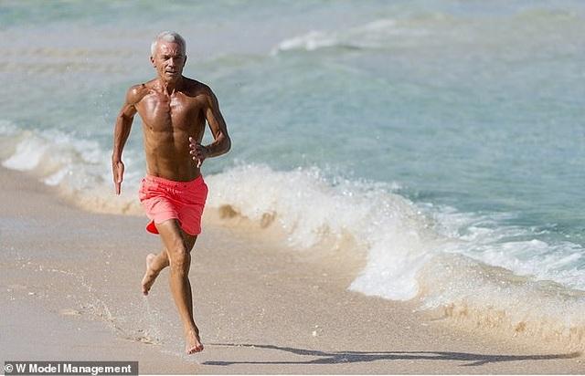 Ngưỡng mộ dáng vóc của nam người mẫu 67 tuổi  - 2