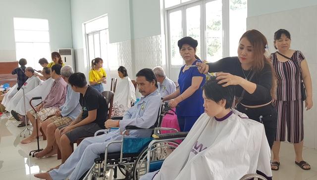 Công tác xã hội tại bệnh viện - nghề nhân văn - 4