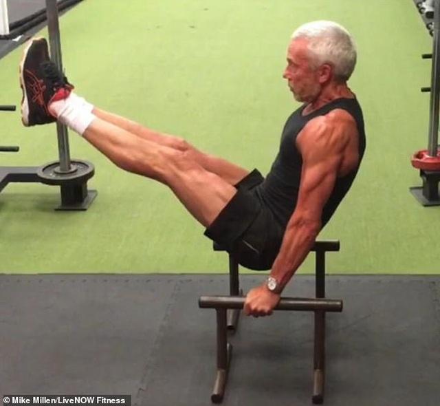 Ngưỡng mộ dáng vóc của nam người mẫu 67 tuổi  - 9