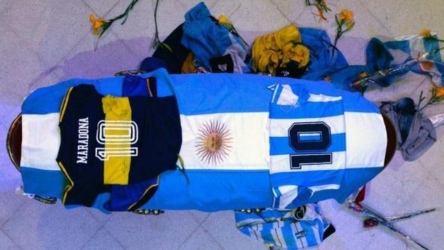 Thi thể Maradona được yêu cầu bảo quản để phòng cho… kiện tụng - 1