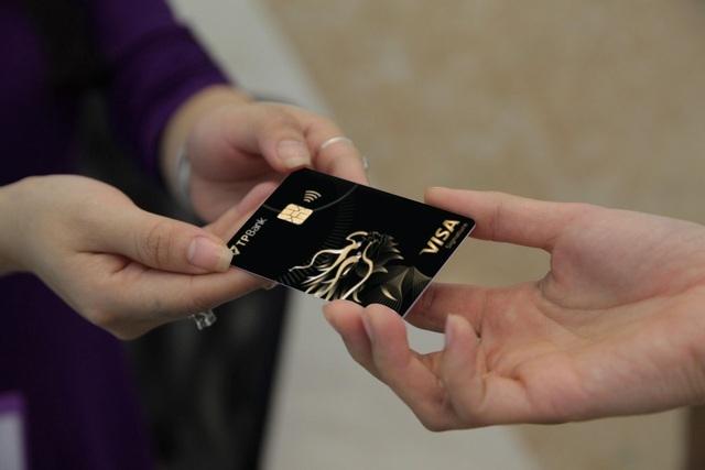 Tốc độ tăng trưởng doanh số giao dịch thẻ ghi nợ quốc tế Visa của TPBank cao nhất Việt Nam - 2