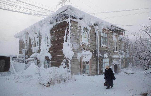 Vùng đất lạnh tê tái quanh năm, trường học chỉ đóng cửa khi nhiệt độ -52 độ - 1