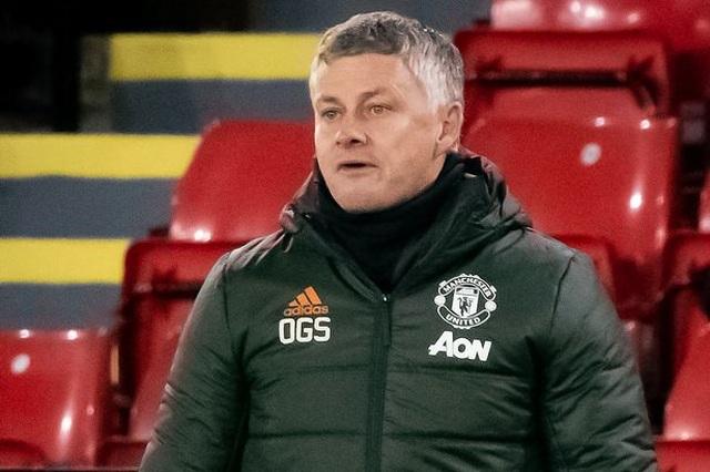 HLV Solskjaer: Tôi bạc tóc khi ngồi ghế nóng ở Man Utd - 2