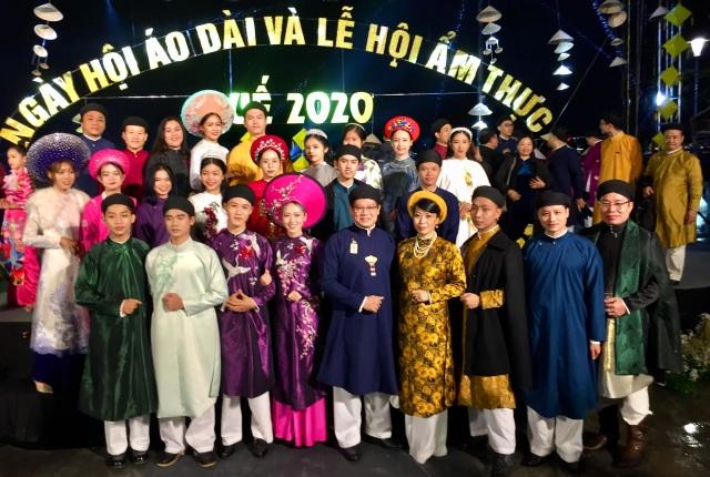 Bừng sắc áo dài xưa tại cố đô Huế - 20