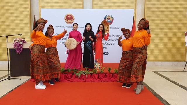 Kỷ niệm 45 năm quan hệ Việt Nam - Mozambique - 3