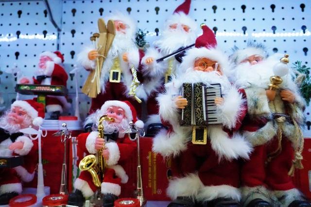 Thị trường Noel tại Đà Nẵng: Cây thông đắt hàng - 2