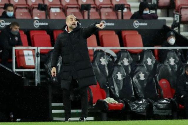 Thắng Southampton, Man City  vượt lên trên Man Utd - 2