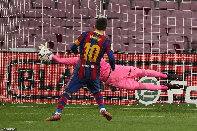Messi san bằng kỷ lục của Pele, Barcelona vẫn bị Valencia cầm hòa - 5
