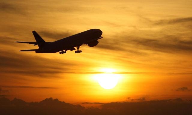 Chủng mới Covid-19 lây lan vượt kiểm soát, nhiều nước cấm chuyến bay từ Anh - 1