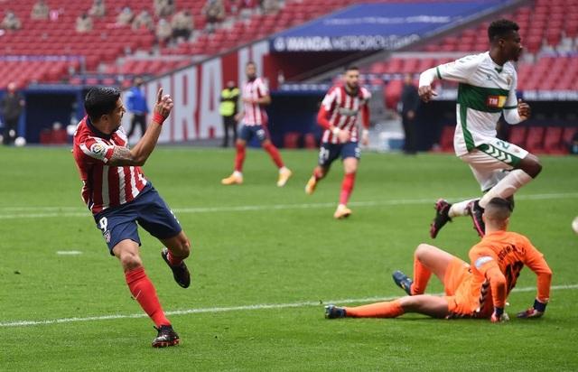 Luis Suarez lập cú đúp, Atletico tiếp tục dẫn đầu La Liga - 1