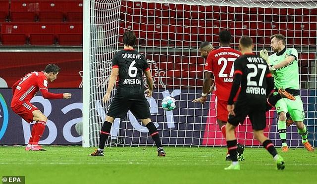 Lewandowski tỏa sáng cùng Bayern Munich sau khi giành giải The Best - 4