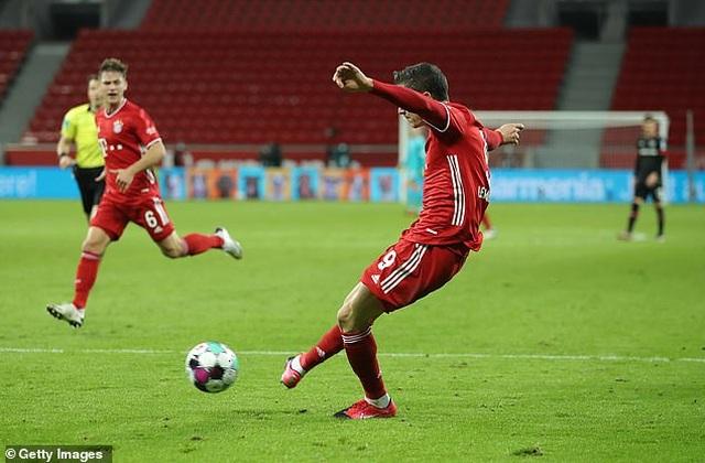 Lewandowski tỏa sáng cùng Bayern Munich sau khi giành giải The Best - 5