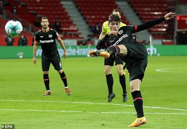 Lewandowski tỏa sáng cùng Bayern Munich sau khi giành giải The Best - 1