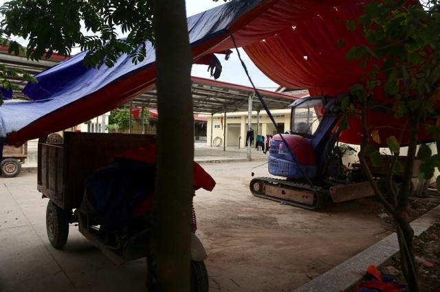 Cận cảnh chợ 18 tỷ đồng để... thả gà ở Hà Nội - 9