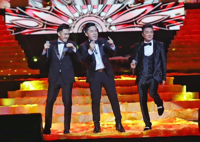 Hồ Quỳnh Hương biểu diễn trên sân khấu gây bất ngờ với khán giả Thủ đô - 3