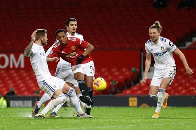 Thắng đậm Leeds, Man Utd chen chân vào top 3 Premier League - 14