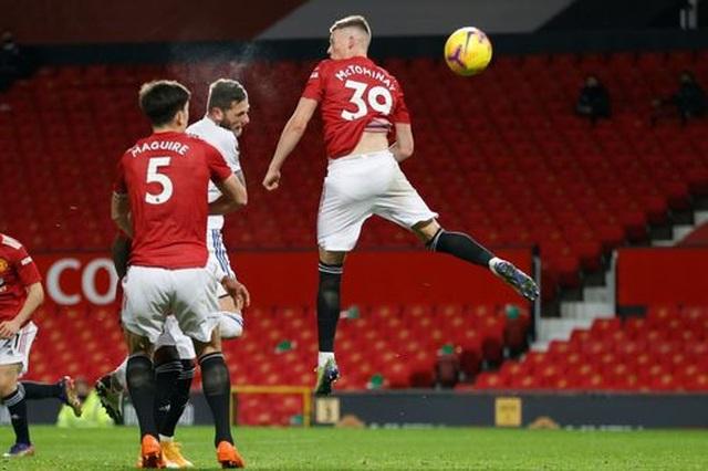 Thắng đậm Leeds, Man Utd chen chân vào top 3 Premier League - 13
