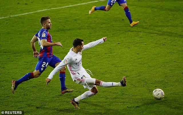 Real Madrid san bằng cách biệt điểm số với đội đầu bảng Atletico - 6
