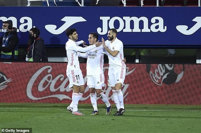 Real Madrid san bằng cách biệt điểm số với đội đầu bảng Atletico - 7