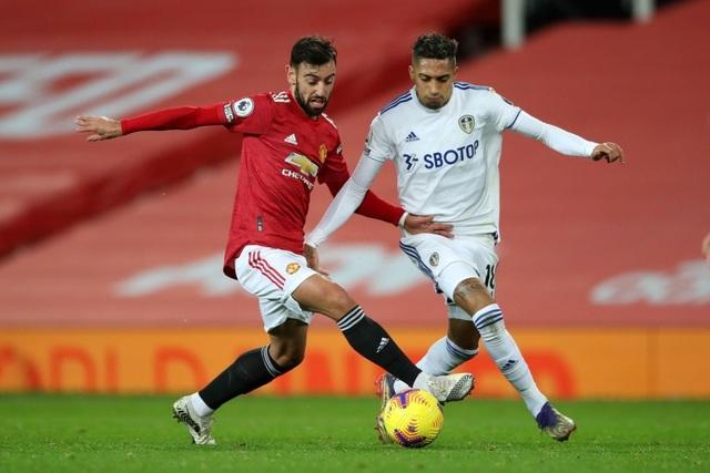 Thắng đậm Leeds, Man Utd chen chân vào top 3 Premier League - 10