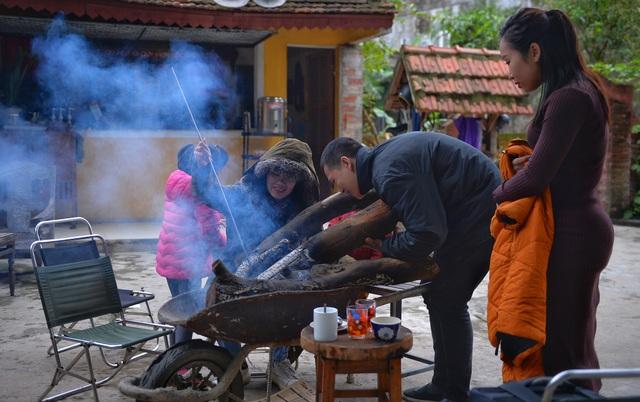 Lạnh cắt da cắt thịt, người dân phố thị đốt lửa chống rét - 5