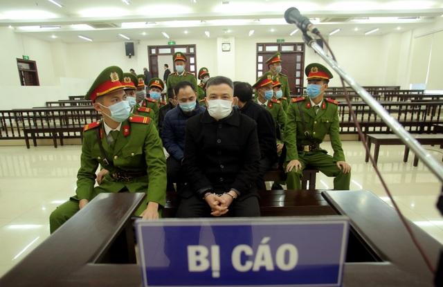 Ông trùm Liên Kết Việt bị đề nghị án chung thân - 1