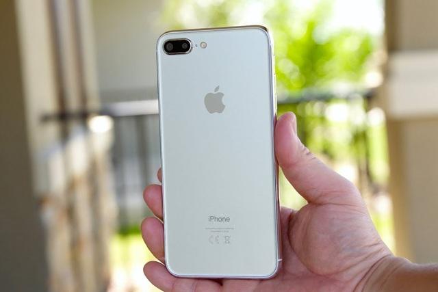 Sau 3 năm, iPhone 8 Plus sắp bị khai tử tại Việt Nam - 1
