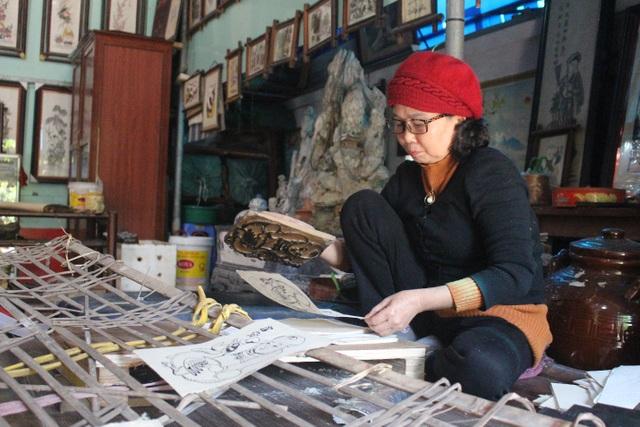 Nữ nghệ nhân dành gần nửa thế kỷ giữ hồn tranh dân gian Đông Hồ - 1