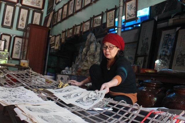 Nữ nghệ nhân dành gần nửa thế kỷ giữ hồn tranh dân gian Đông Hồ - 7