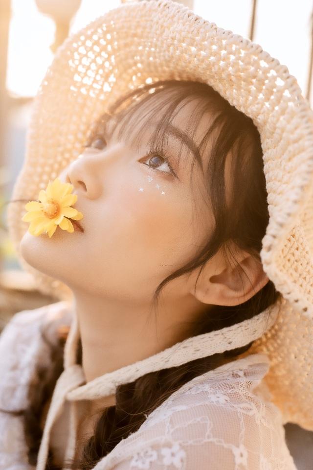 Nữ sinh cấp 3 sở hữu vẻ đẹp ngọt ngào tựa nàng thơ - 5