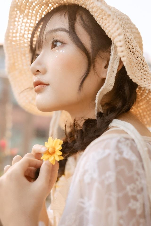 Nữ sinh cấp 3 sở hữu vẻ đẹp ngọt ngào tựa nàng thơ - 11