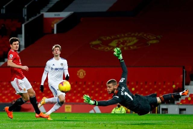 Thắng đậm Leeds, Man Utd chen chân vào top 3 Premier League - 6