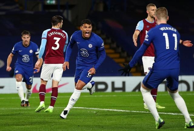 Thắng đậm West Ham, Chelsea vượt lên trên Tottenham - 1