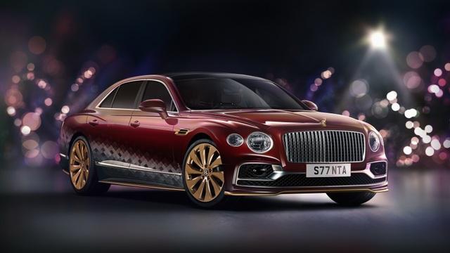 Bentley biến Flying Spur thành xe tuần lộc của ông già Noel - 1