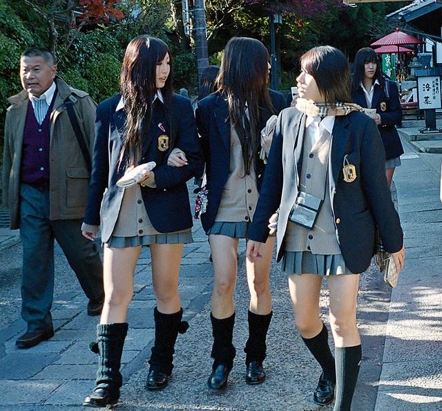 Đồng phục nữ sinh Nhật Bản - Trang phục đi học hay thời trang? - 16