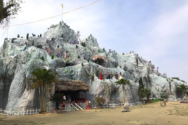 Ngắm hang đá Noel khủng ở Nghệ An được làm từ hàng nghìn cây tre - 1