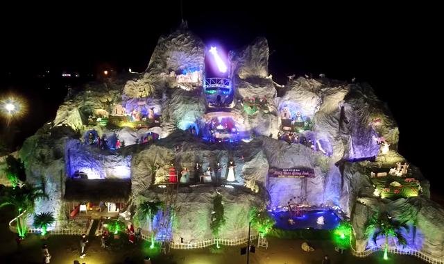 Ngắm hang đá Noel khủng ở Nghệ An được làm từ hàng nghìn cây tre - 12