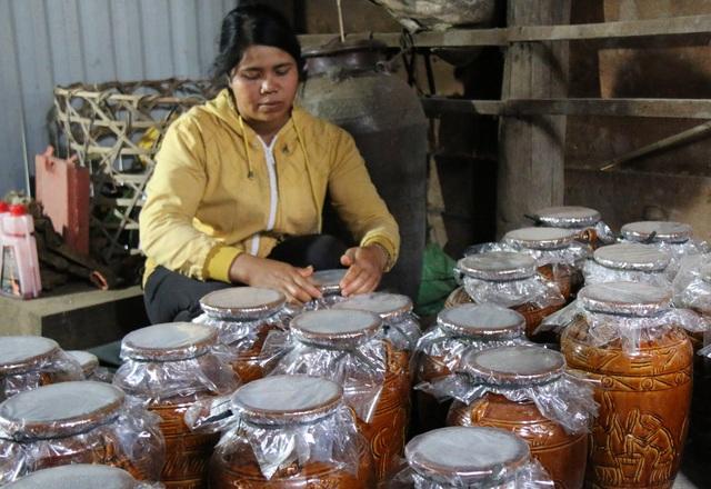 Đắk Nông: Xây dựng làng nghề vừa thoát nghèo, vừa giữ văn hóa truyền thống - 1