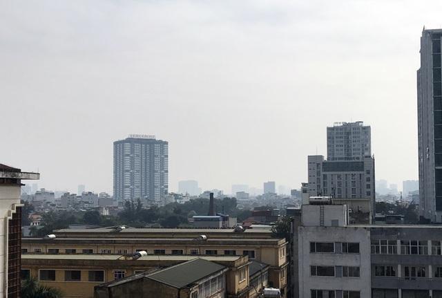 Không khí Hà Nội ở mức báo động, khuyến cáo người dân hạn chế ra ngoài - 1