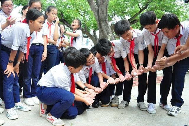 Bí quyết để bố mẹ giúp trẻ thích được đến trường mỗi ngày - 1
