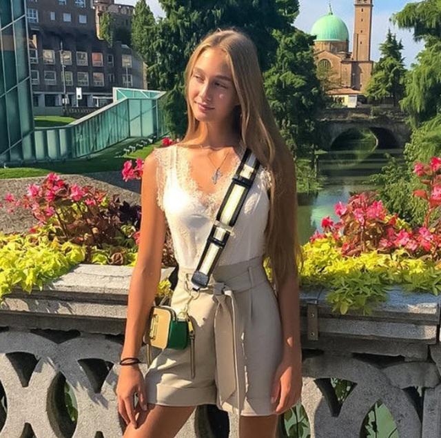 Xuất hiện bản sao xinh đẹp tuyệt trần của Maria Sharapova - 2