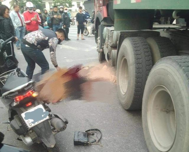 Hai phụ nữ thương vong sau cú va chạm với xe container - 1