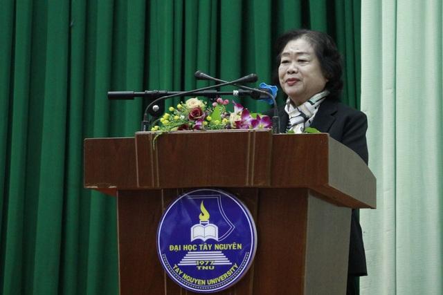 155 học sinh, sinh viên các dân tộc tại Đắk Lắk nhận học bổng Vừ A Dính - 1