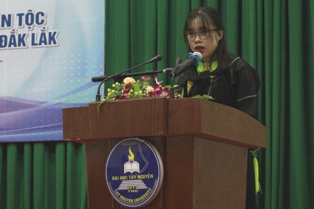 155 học sinh, sinh viên các dân tộc tại Đắk Lắk nhận học bổng Vừ A Dính - 3
