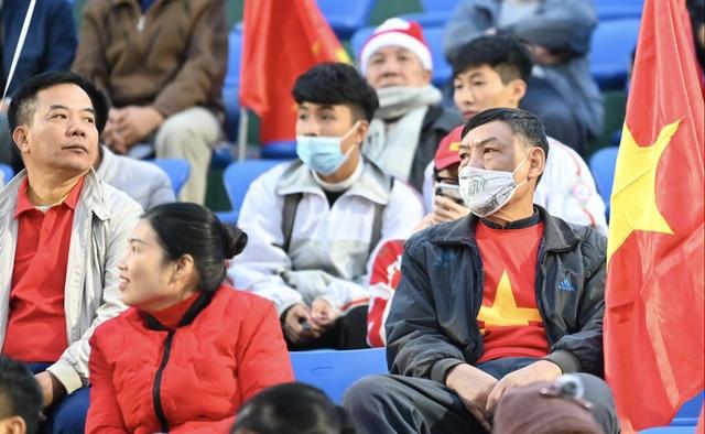Tuyển Việt Nam 0-0 U22 Việt Nam (Hiệp 1): Văn Quyết ghi dấu ấn - 8